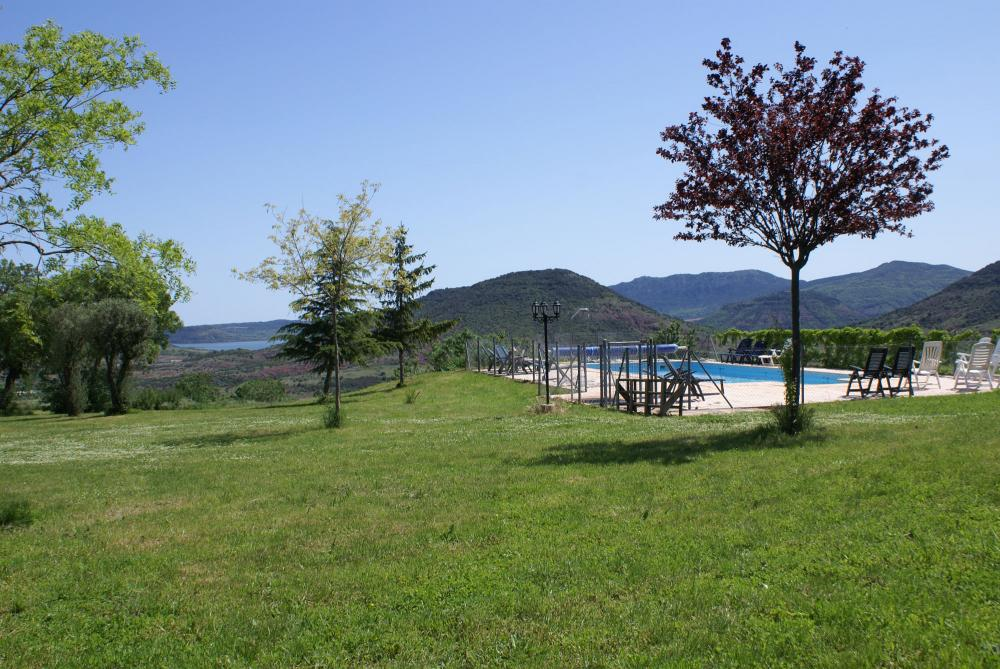 Holiday Accommodation With Heated Outdoor Pool In The South Of France